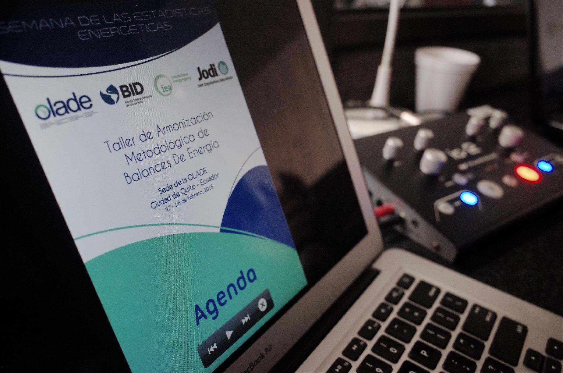 Traducción simultánea en Quito para OLADE